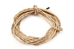 Rouleau de corde, noeud de corde d'isolement sur le fond blanc images stock