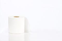 Rouleau de papier hygiénique blanc Photographie stock