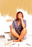Rouleau de peinture avec des échantillons de peinture photos stock