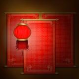 Rouleau rouge avec l'ornement asiatique et la lanterne chinoise Images stock
