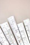 Rouleaux architecturaux de modèles de plans et de dessins techniques Photos libres de droits