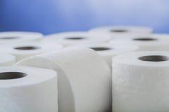 Rouleaux de papier hygiénique de papier Images libres de droits