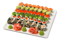 Rouleaux japonais traditionnels de fruits de mer de six types. Images stock