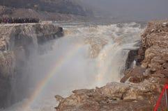 Roulement vers le bas de l'eau de la rivière Yellow Photos libres de droits