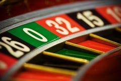 Roulette en el casino foto de archivo