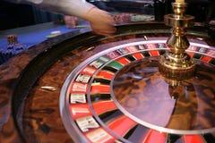 Roulette het gokken lijst in casino Royalty-vrije Stock Afbeeldingen