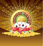 Roulette, kardieren, würfeln, Chips, Edelsteine und goldener Münzenhintergrund Lizenzfreie Stockbilder