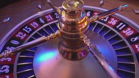 Roulettewiel in een casino - spinnewiel stock footage