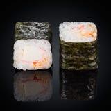 Roulez le crabe épicé de Kani Maki, sauce épicée Photographie stock libre de droits
