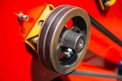 Roulez le mécanisme de rouleau avec la courroie de courroie sur les machines industrielles de véhicule photos libres de droits