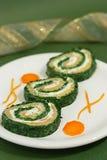 Roulis d'épinards et de saumons image stock