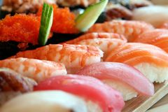 Roulis d'extrémité de sushi Photos stock