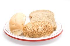 Roulis de pain frais avec du pain grillé Photo stock