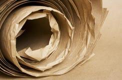 Roulis de papier d'emballage de papier de Brown Photo stock