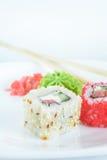 Roulis de sushi de plaque Photographie stock libre de droits