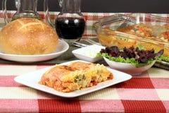 roulis italiens de lasagne image libre de droits