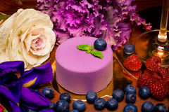 Round cake with fresh berries Royalty Free Stock Photography