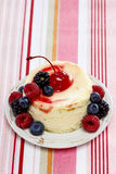 Round cake with fresh fruits Royalty Free Stock Photography