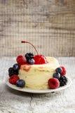 Round cake with fresh fruits Stock Photography
