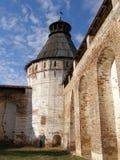 Round forteca ściana, wierza, Boris i Gleba monaster i, Borisoglebsk, Rostov okręg, Yaroslavl region, Rosja Obraz Stock