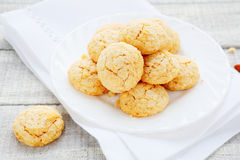 Round Italian cookies with amaretto Royalty Free Stock Images