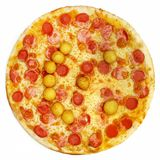Round pizza z pomidorami, pieczarkami i serem na białym tle, Fotografia Stock