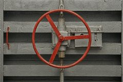Round rękojeść kędziorek hermetyczny drzwi stary schron Zdjęcia Royalty Free