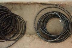 Round spirala czarny elektryczny drut obrazy stock