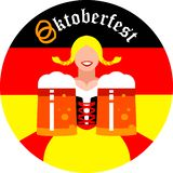 Round tło z Oktoberfest dziewczyną z kubkami piwo zdjęcia stock