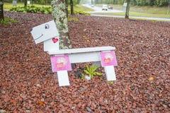 Roundaboutdog em Solleftea, sweden A fim apoiar a luta para a divisão de maternidade imagem de stock