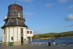Roundhouse - gammal marin- Aberdeen för kontrollmitt hamn Skottland Arkivbilder