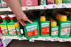 Free Roundup Weedkillers In A Store Royalty Free Stock Photos - 155859138