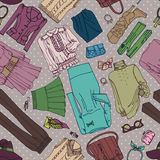 A roupa da mulher e teste padrão sem emenda dos acessórios ilustração stock