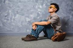 Roupa de forma asiática do moderno do homem fotografia de stock