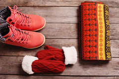 Roupa e sapatas do inverno Foto de Stock Royalty Free