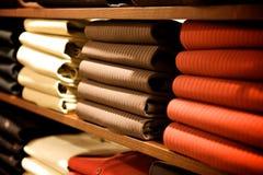 Roupa em uma loja Imagem de Stock