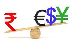 Roupie forte : devises sur une bascule en bois Images libres de droits