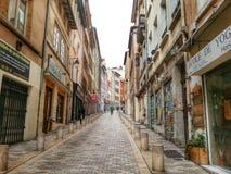Rousse de croix de la ruda, ciudad vieja de Lyon, Francia Foto de archivo libre de regalías