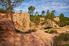 Roussillon, Provence, França: paisagem do OC característico fotografia de stock royalty free