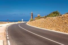 Route à l'église de Pinu de ventres dans Gharb dedans, Malte Photographie stock libre de droits