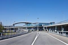 Route à l'aéroport Sheremetievo à Moscou Terminal D Photos libres de droits