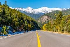 Route à l'automne dans le Colorado, Etats-Unis Photo stock