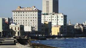 Route à la Havane avec raffic banque de vidéos