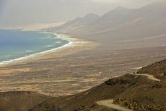 Route à la plage de Cofete sur Fuerteventura image libre de droits