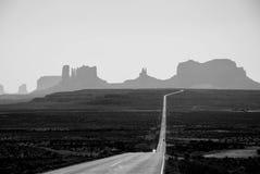 Route à la vallée de monumenti photos libres de droits