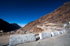 Route à la vallée de Yamthung Images libres de droits