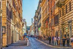 Route à Piazza Mignanelli et colonne de la conception impeccable image stock