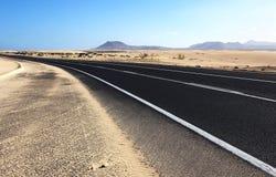 Route à travers le désert Image libre de droits