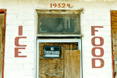 Route 66 abandonado Mini-Mart Store y gasolinera Foto de archivo libre de regalías