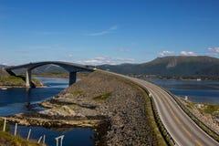 Route atlantique près de Molde en Norvège du sud Images libres de droits